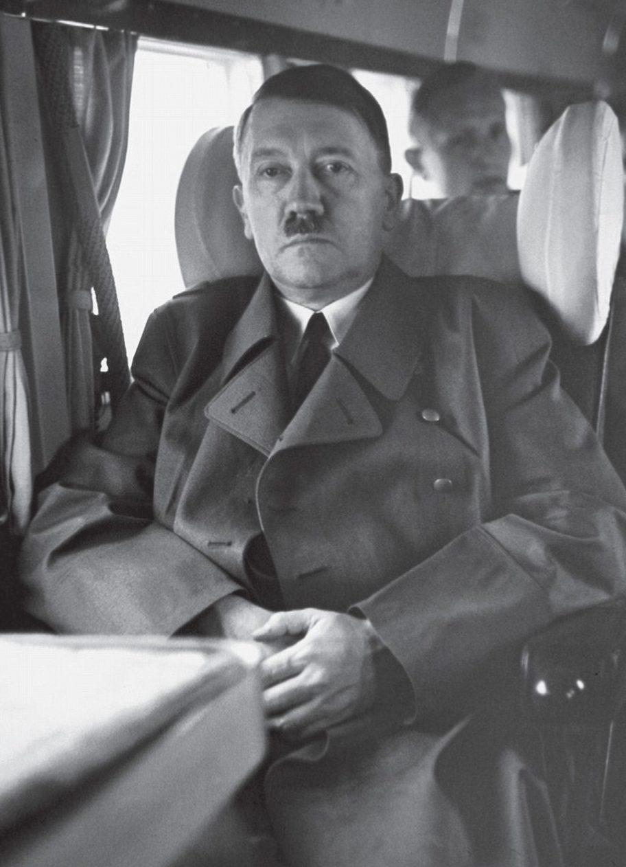 Адольф Гитлер в самолете «Ju -52». 1936 г.