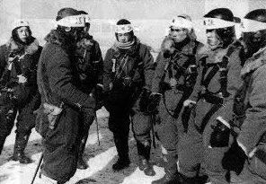 Летчики-камикадзе перед боевым вылетом. Ноябрь 1944 г.