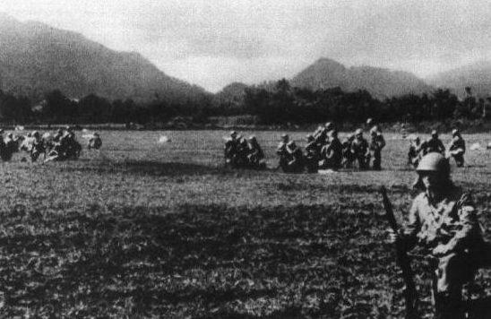 Парашютисты «Гирецу», высадившиеся на аэродроме Лангоана. 1945 г.