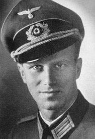 Капитан Эвальд-Генрих фон Клейст-Шмензин.