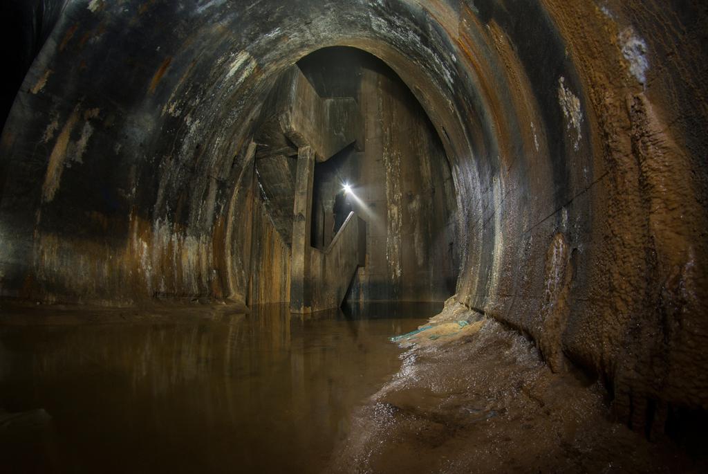 Северная, затопленная часть тоннелей.