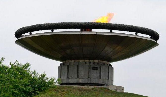 Чаша «Огонь Славы» диаметром 16 м.