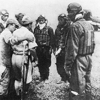 Прощальное слово перед вылетом. 1945 г.