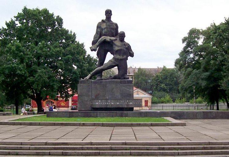 Памятник военнопленным.
