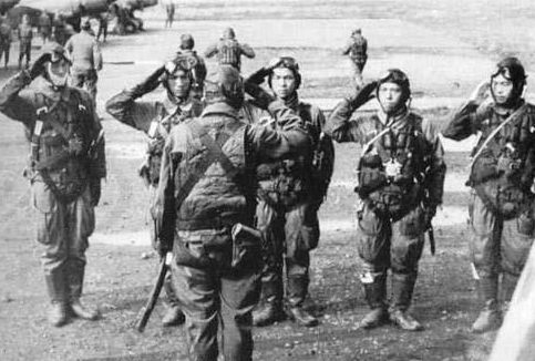 Пилоты-камикадзе 71-й эскадрильи. Май, 1945 г.