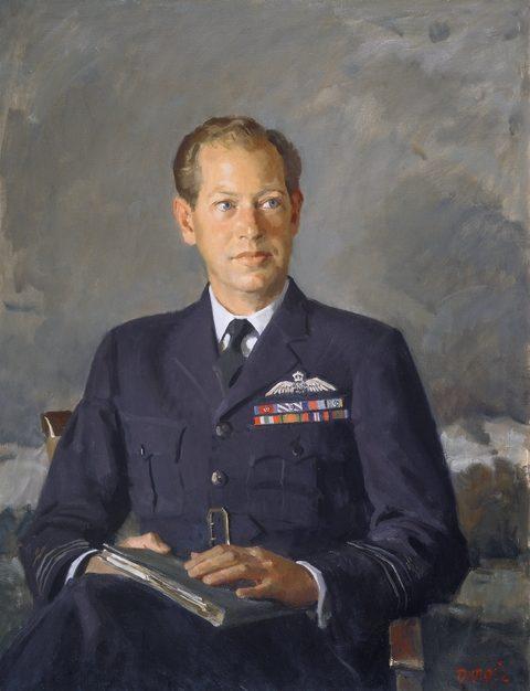 William Dargie. Командир эскадрильи David Shannon.