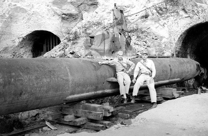 Сверхмалая подлодка «Кайри» на базе подлодок. 1945 г.