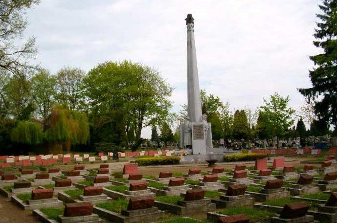 г. Ченстохова. Воинское кладбище по улице Цментарна, где захоронено 18 207 советских воинов, в т.ч. 17 235 неизвестных, погибших в годы войны.