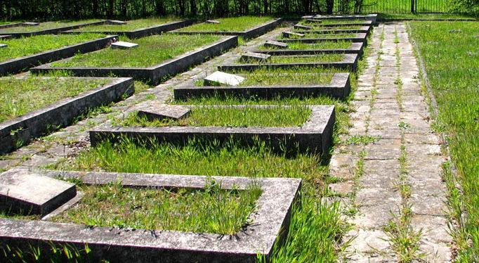 г. Влодава. Воинское кладбище, где похоронено 13 855 советских воинов, в т.ч. 13 533 неизвестных.