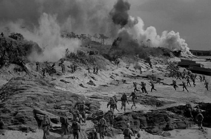 Банзай-атака. Кадры из американского фильма «Битва навсегда» (1960 г).