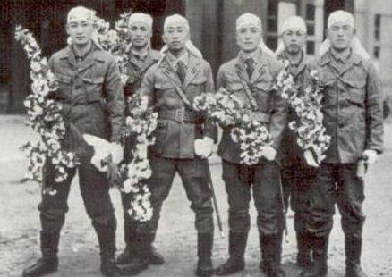 Пилоты-смертники катеров «Sinyo». 1945 г.