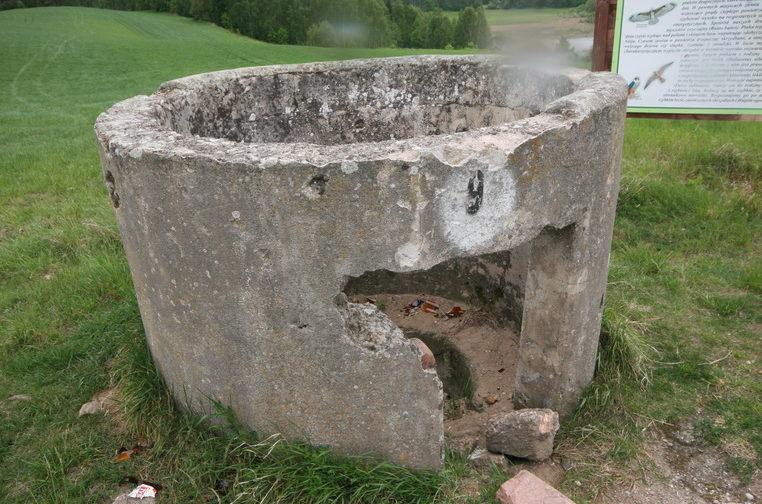 ДОТ из бетонных колец.