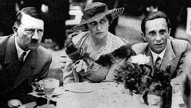 Супруги Геббельсы и Гитлер - любовный треугольник.