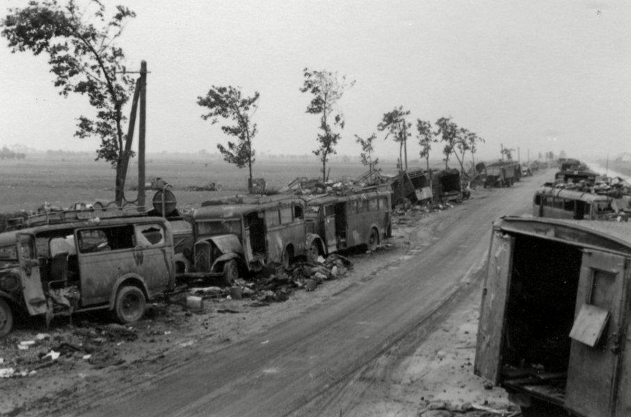 Дорога отступления на Дюнкерк.