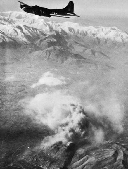 Летающая крепость B-17 над Монте-Кассино, 15 февраля 1944 г.