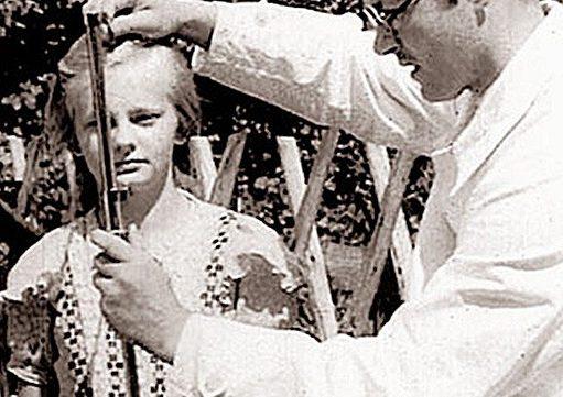 Детей из восточной Европы отбирают немецкие врачи.