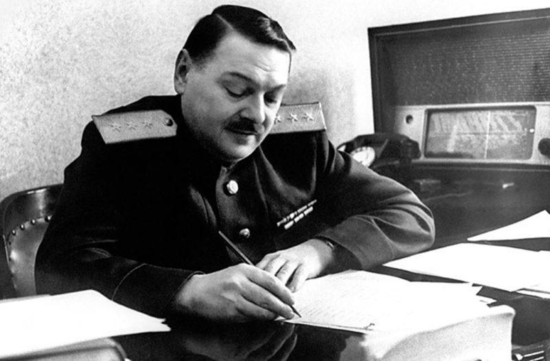 Первый секретарь Ленинградского обкома и горкома ВКП(б) А. А. Жданов. 1941 г.
