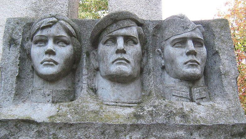 с. Каменка Измаильского р-на Памятник воинам, погибшим в годы войны, был установлен в 1975 году.