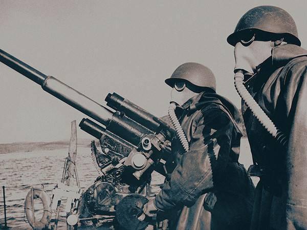 Черноморский флот готовится к химической атаке. 1942 г.