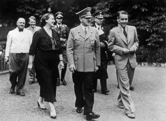 Винифред Вагнер и Гитлер.