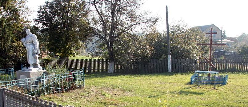 с. Неграши Киево-Святошинского р-на. Памятник по улице Ватутина, установленный в 1976 году на братской могиле воинов, погибших в годы войны.