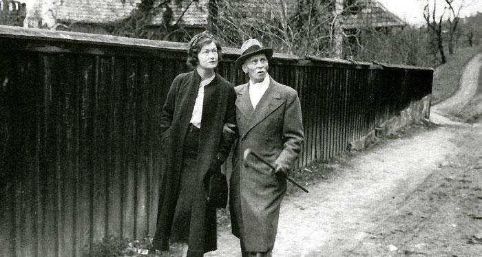 Аннелиз фон Риббентроп с тестем Рихардом Риббентропом.