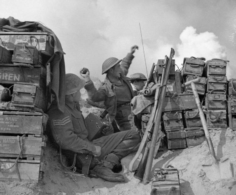 Британцы на южном берегу реки Сенио. 22 марта 1945 г.