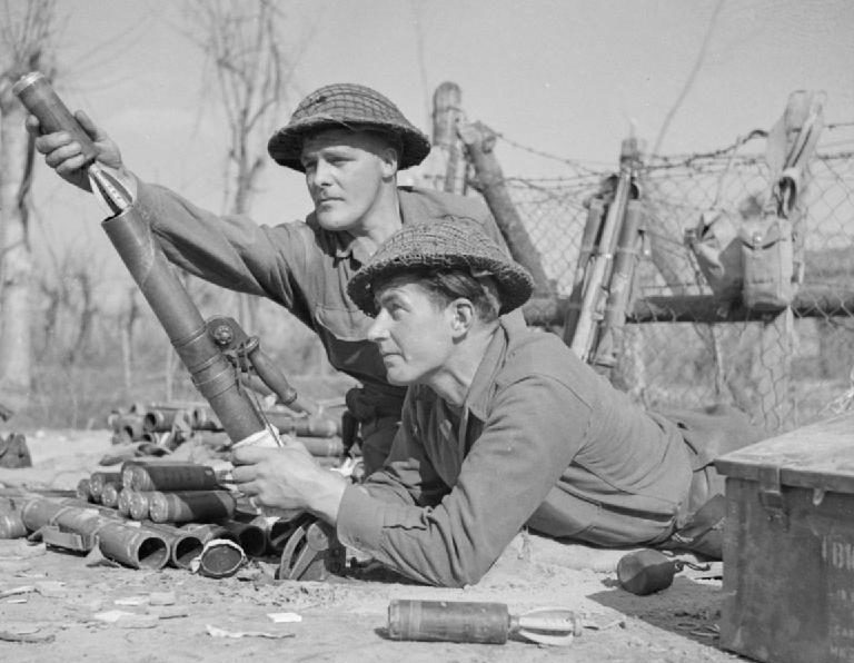 Атака британских солдат на реке Сенио. 22 марта 1945 г.