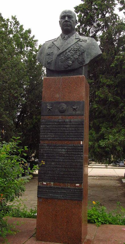с. Фурмановка Килийского р-на. Памятник дважды Герою Советского Союза Тимошенку С.К. был установлен в 1967 году.