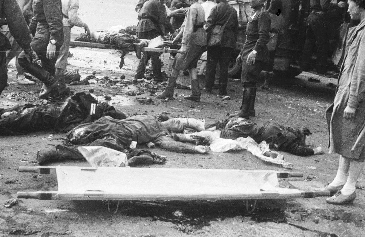 Погибшие во время обстрела. Сентябрь 1941 г.