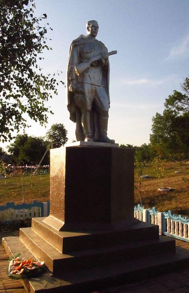 с. Обжилое Балтского р-на. Памятник, установленный в 1959 году на братской могиле, в которой похоронено 8 воинов, погибших при освобождении села 24 марта 1944 года.