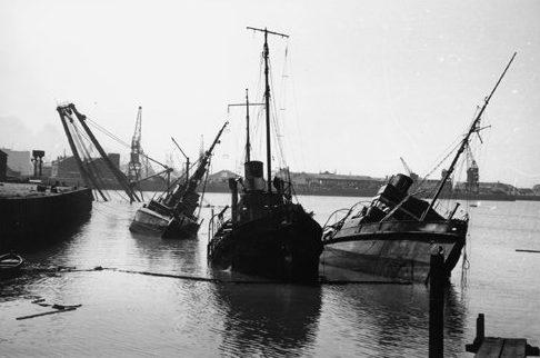 Затонувшие суда в порту Дюнкерка. Июнь 1940 г.