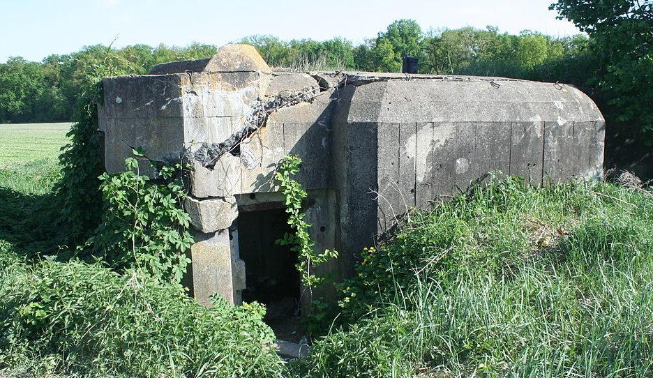 пгт. Чабаны Киево-Святошинского р-на. ДОТ №182, Киевского укрепрайона, построенный в 1929-1932 годах.