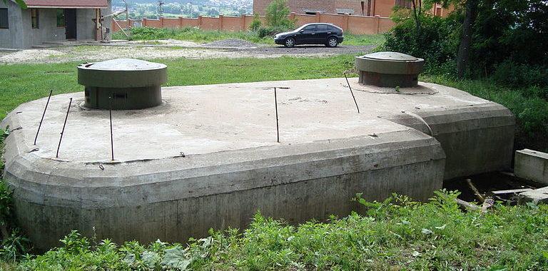 с. Юровка Киево-Святошинского р-на. ДОТ №204 Киевского укрепленного района, построенный в 1929-1932 годах.