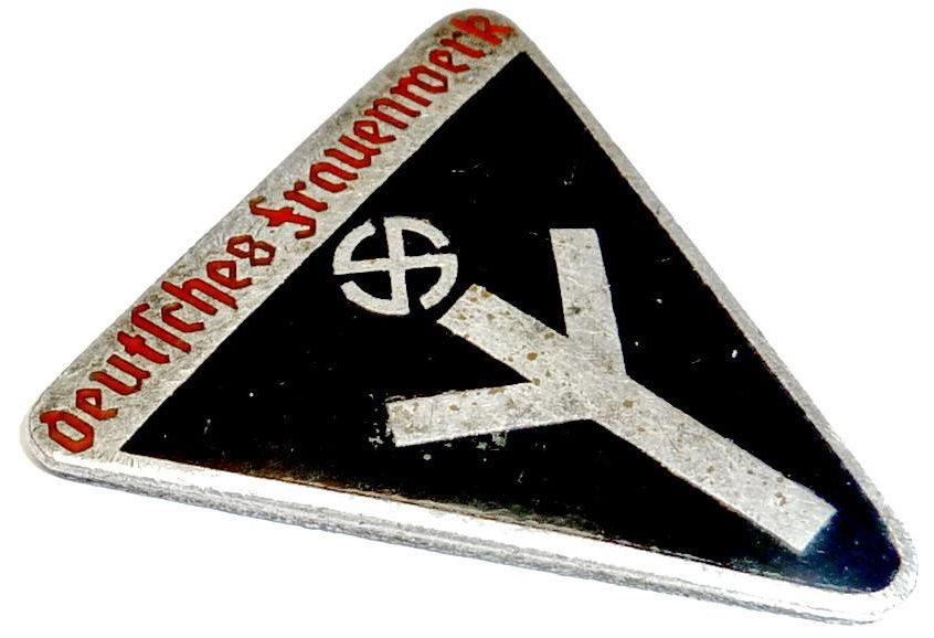 Нагрудный членский значек DFW.