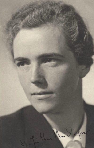 Ютта Рюдигер - руководитель Союза немецких девушек (BDM).