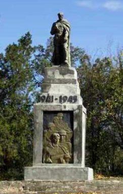 с. Семеновка Белгород-Днестровского р-на. Памятник, установленный в 1968 году воинам-односельчанам, погибшим в годы войны.