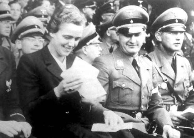 Ютта Рюдигер на партийном съезде.