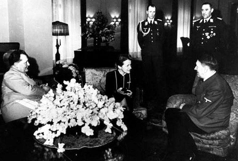 Ханна Рейч с Гитлером и Герингом. Март, 1941 г.