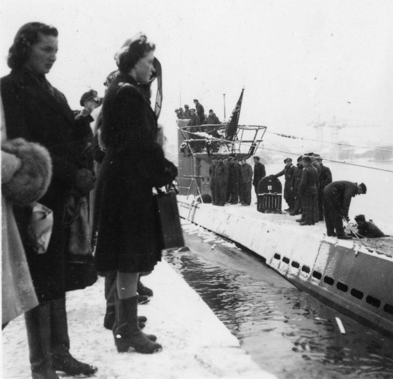Женщины-служащие из вспомогательной службы ВМС.