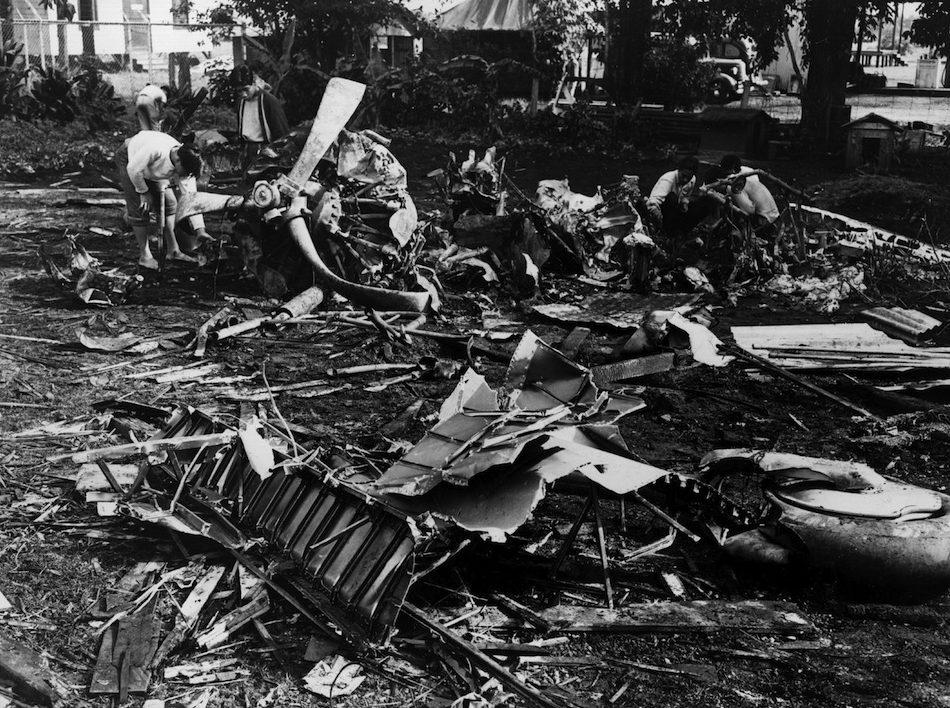 Обломки японских самолетов сбитых во время нападения на Перл-Харбор. 7 декабря 1941 г.