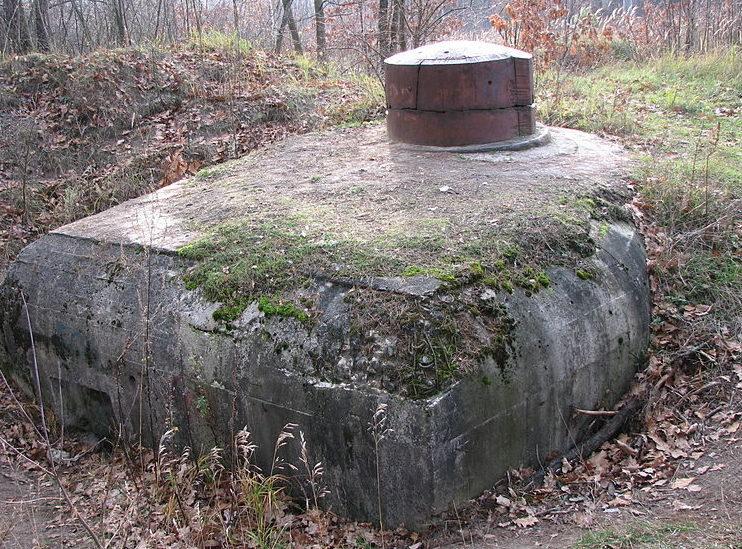 с. Горенка Киево-Святошинского р-на. ДОТ № 504 Киевского укрепрайона, построенный в 1929-1932 годах.