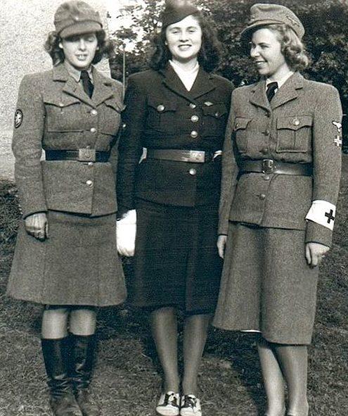 Женщины-медсестры вспомогательной службы СС из Скандинавии.