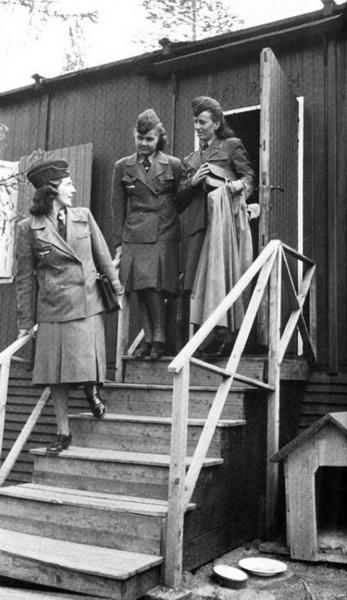 Надзирательницы и охранницы концлагерей из вспомогательной службы СС.
