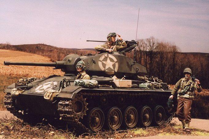 Zaloga Steven. Танк М-24 Chaffee.