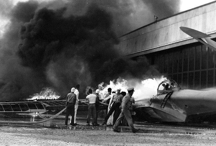 Пожар на аэродроме острова Форд. 7 декабря 1941 г.