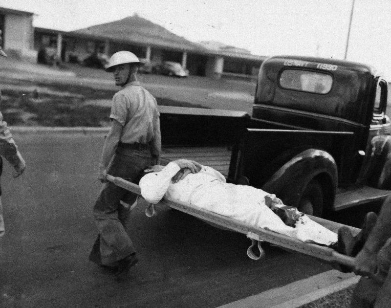Эвакуация раненных. Перл Харбор. 7 декабря 1941 г.