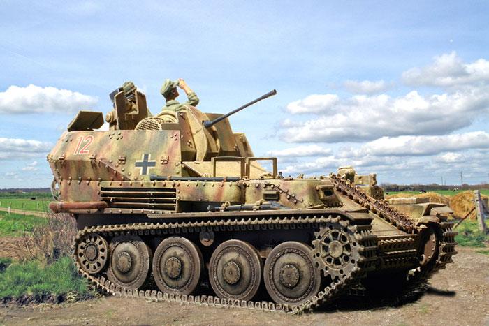 Zaloga Steven. ЗСУ Sd. Kfz. 140 Flakpanzer 38(t).