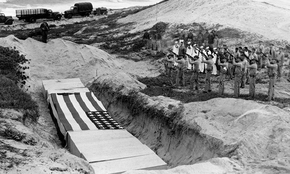 Похороны погибших американских воинов. Декабрь, 1941 г.