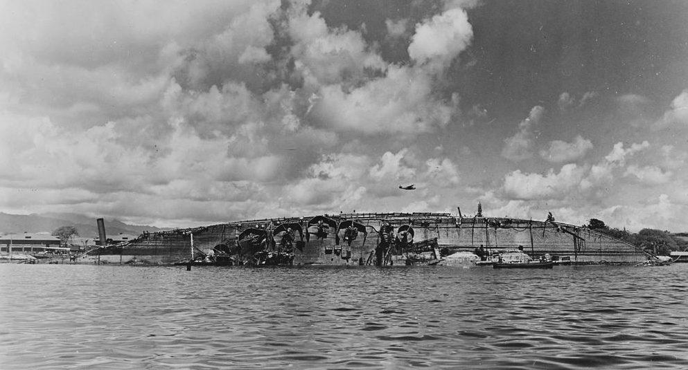 Затонувший линкор «Оклахома». 19 марта 1943 г.